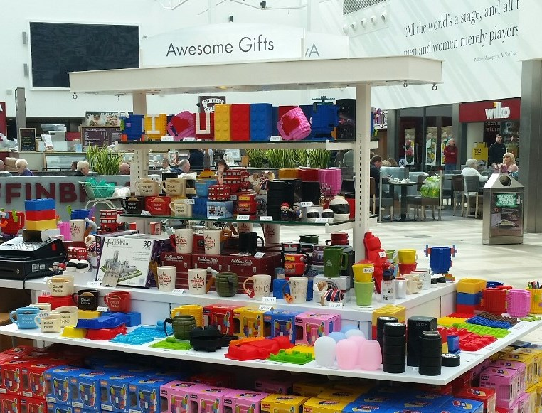 Online retailer Awesome Gifts on a POP Retail Kiosk in The Galleries Washington